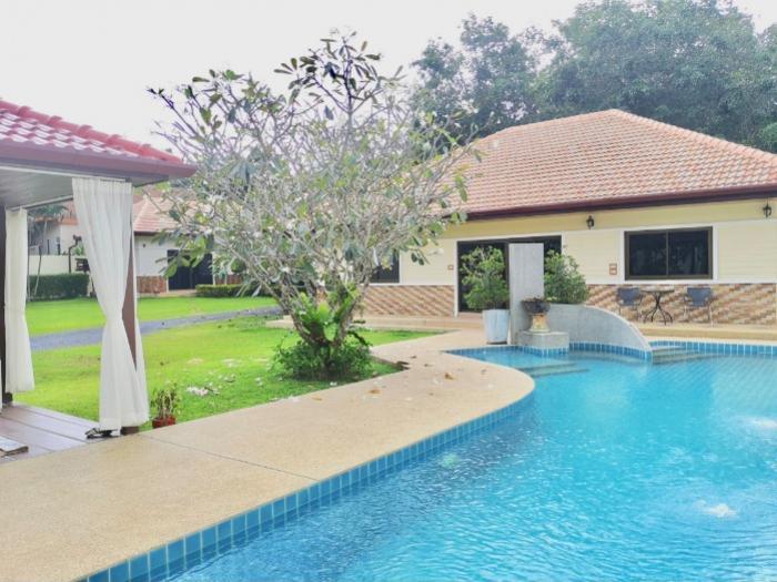 Rawai 4 bedroom villa 2 houses-image1.jpeg