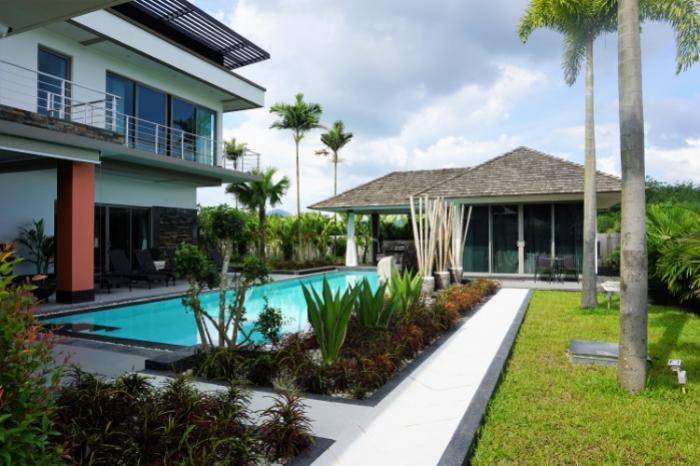 Spacious luxury 4 BR villa in Choeng Thale.-Grand Villa-1.JPG