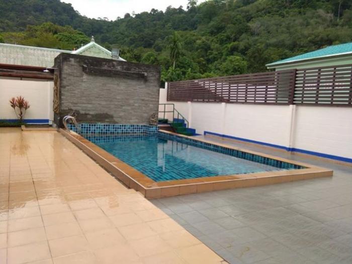 3 Bedrooms Pool Villa for sale in Kathu.-4.jpg