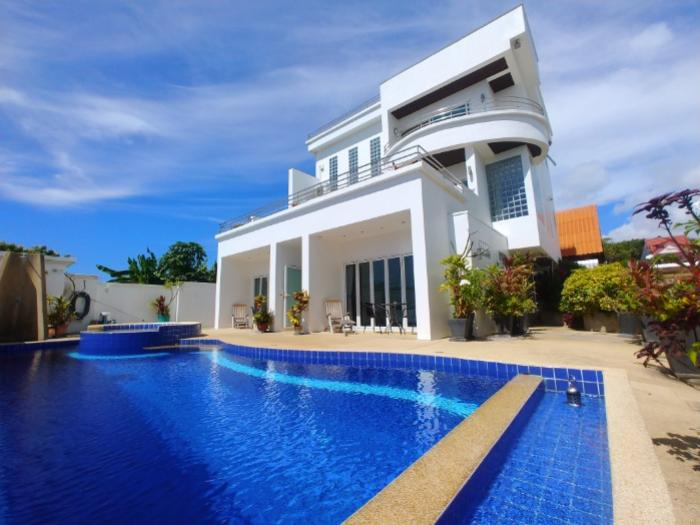 4 BR 3 Storeys Pool villa in naiharn-20181228_125150.jpg