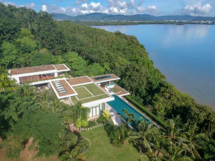 5 BR Oceanfront Villa-a-Skyfall-PPN.jpg