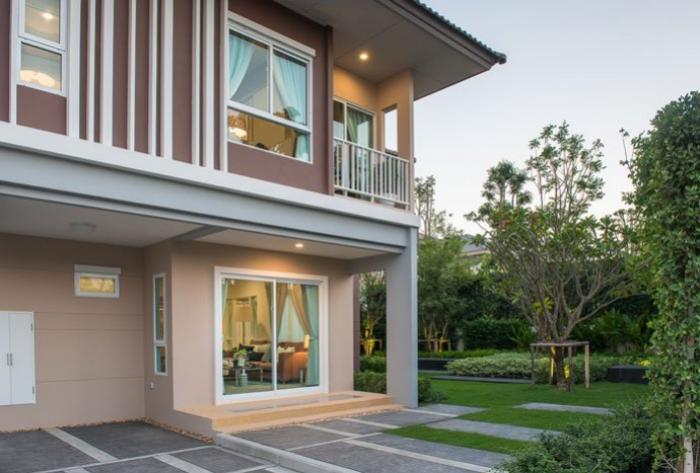 Beautiful 4 Bedrooms House in Koh Kaew.-0.jpg