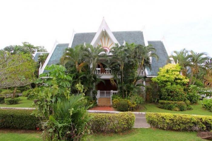 4Bedrooms Huge Villa in Nai Harn-1 (13).jpeg