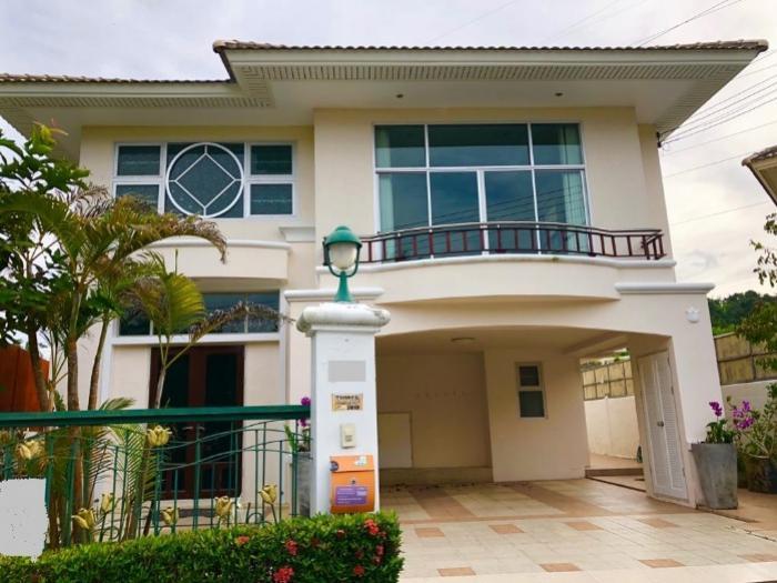 4Bed villa in Thalang-14.jpeg