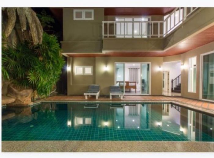 Pool Villa 3 Beds in Nai Harn-18.jpg