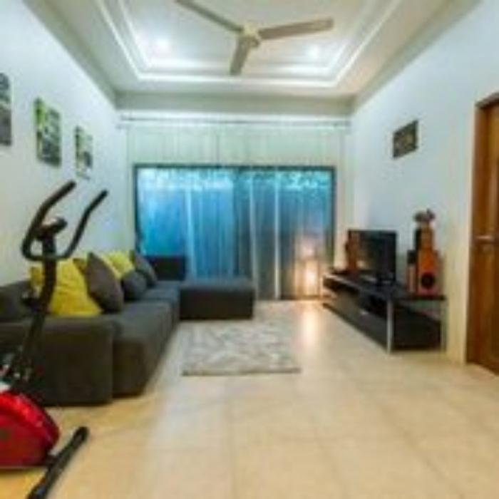 3 Beds villa Naiharn-4.jpeg