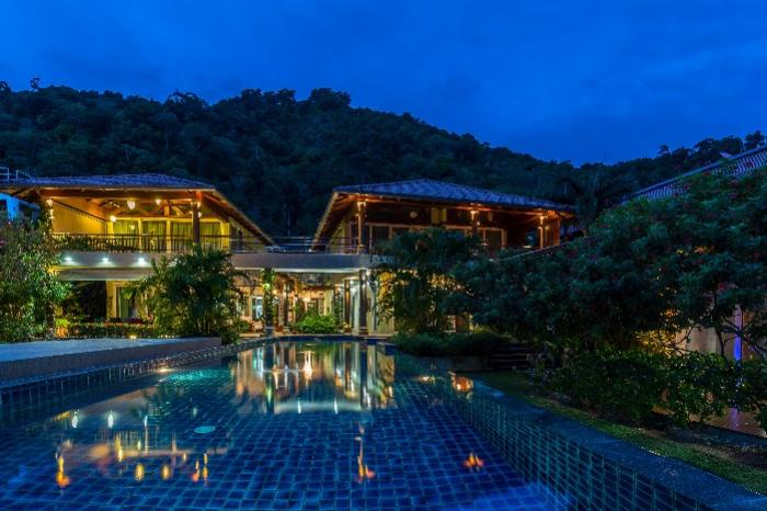 24 2 Kalim-30 Pool-House Night View-min.jpg
