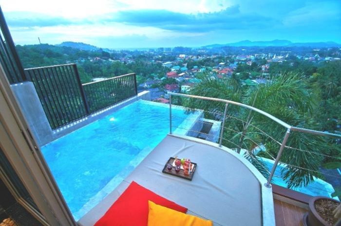 Villa Montara Bangtao-Bedroom 1-Bathroom 1 Jacuzzi Pool (Large).jpg