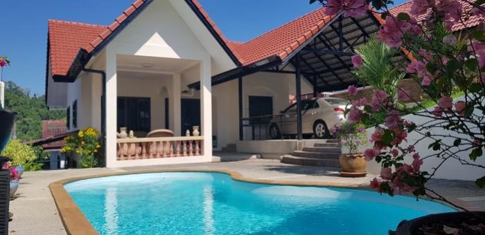 3 BR Pool Villa near Central-2.jpg