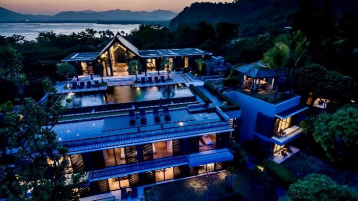 Villa Sawarin-100 By Night.jpg