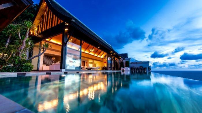 Villa Paradiso Malaiwana-113 Villa Paradiso Naithon Beach Phuket - By Night.png