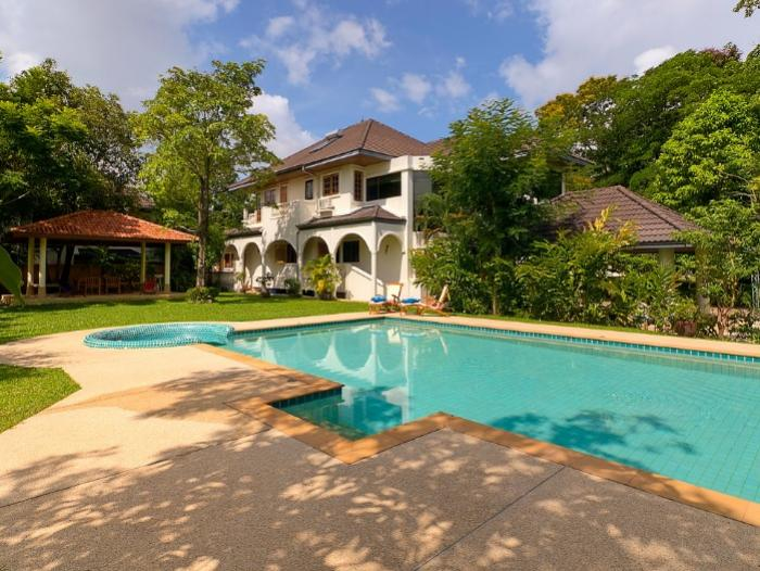 5 BR Pool Villa Chalong-Capture11.PNG