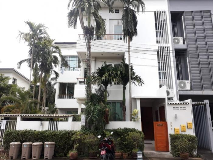 Phuket Chalong 5 BR Townhouse for sale