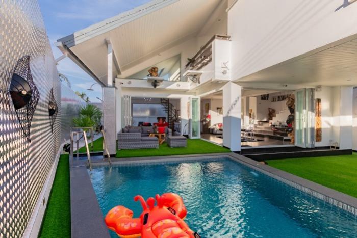 Rawai 4BR Pool Villa-001.jpg