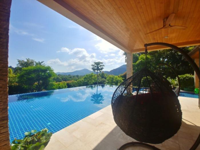 Phuket Luxury Villa 9 Bedroom in Kathu