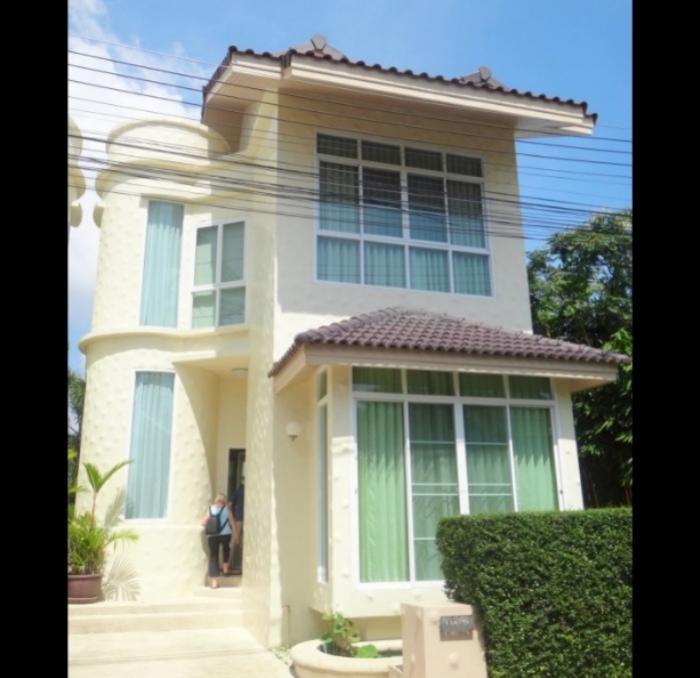 Unique 2 BD Villa in Nai Harn.-1.jpg