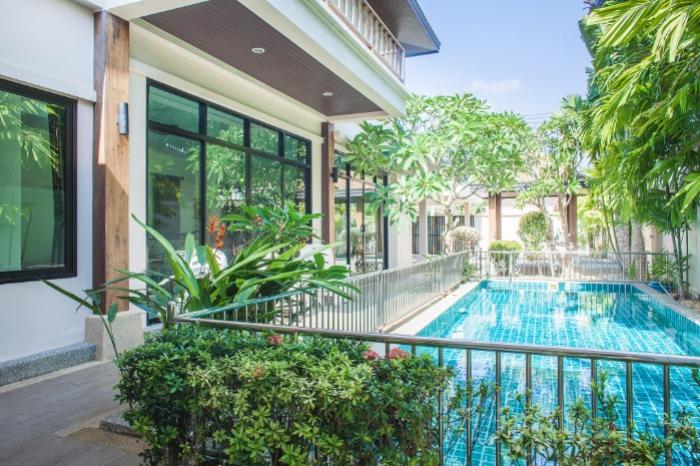 3 Bedroom Villa for sale in Rawai-Soi Namjai - Pool area.jpg